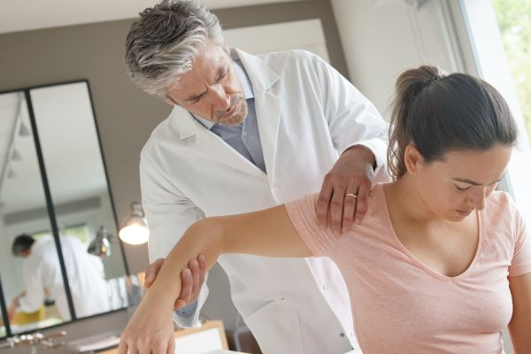 How do I find the best auto injury doctor in Kansas City?  How can a lawyer help deal with my auto insurance?